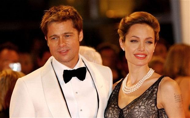 Angelina Jolie z naszyjnikiem z pereł | fot. Rex Features